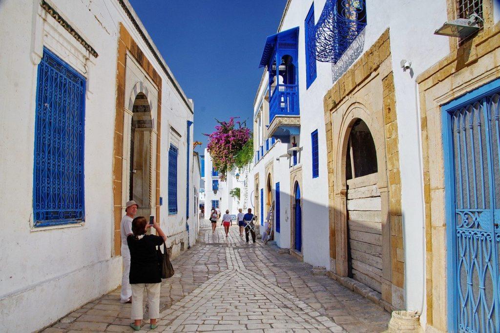 Cesta do Tuniska