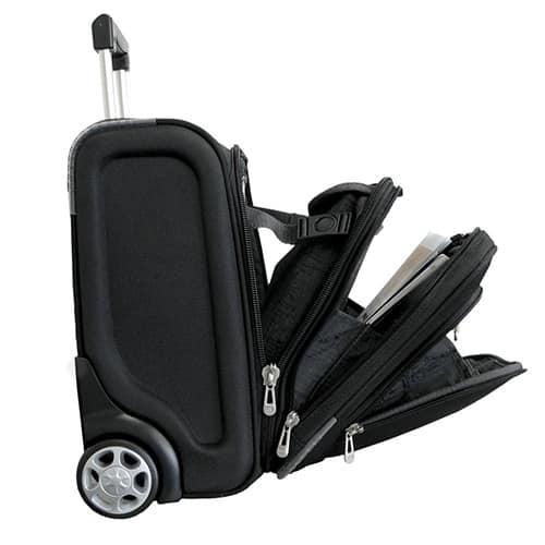 Moderný cestovný kufor